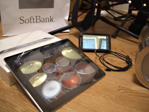本日4/28発売 iPad2